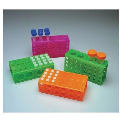 Gradilla reversible MBP, cara 1: 32 tubos de 0.5 ml, cara 2: 32 tubos de 1.5 ml, cara 3: 12 tubos de 15 ml, cara 4: 4 tubos de 50 ml, verde fluorescente, polipr