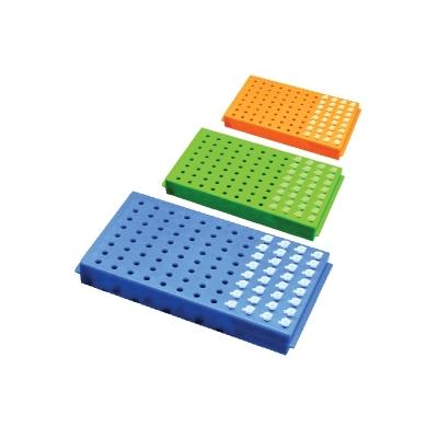 Gradilla reversible MBP, cara 1: 96 tubos de 0.2 ml, cara 2: 96 tubos de 0.5 ml, azul, con tapa