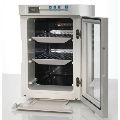 Incubadora compacta Heratherm, capacidad 18L, TA +17 a 40 C , Modelo IMC18
